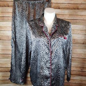 Chanteuse silky animal print pajamas XL